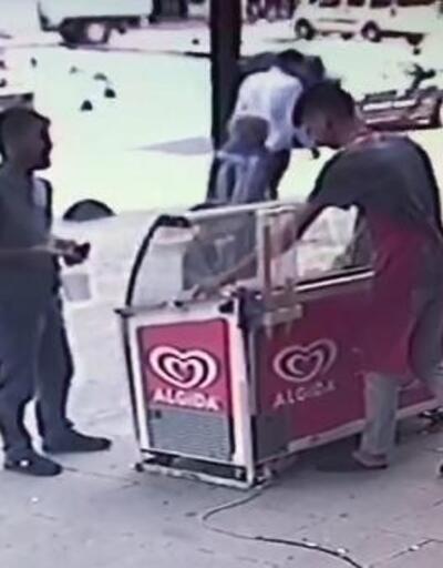 Sultangazi'de sahte parayla dondurma almaya çalışırken yakalanınca böyle kaçtı
