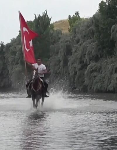 Yarış atlarına serin antrenman