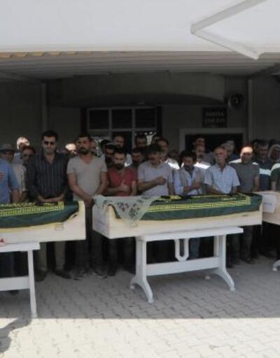 Tunceli'deki kazada ölen çift ve oğulları yan yana toprağa verildi