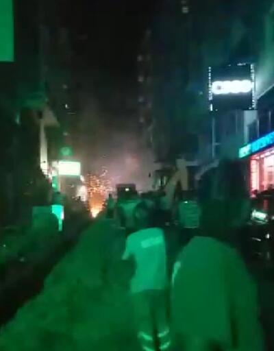 Şirinevler'de kablolardaki patlamalar korkuttu