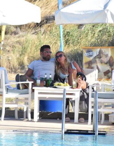 İvana Sert ve Tarhan Telli adada aşk tazeliyor