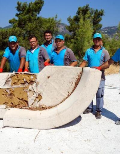 'Doğa komandoları', Marmaris'te bir günde 6 ton çöp topladı