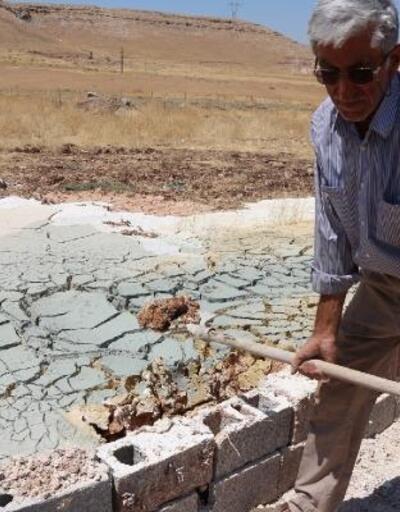 Su kuyusu sondajında farklı renklerde toprak ve soğuk hava şaşkınlığı