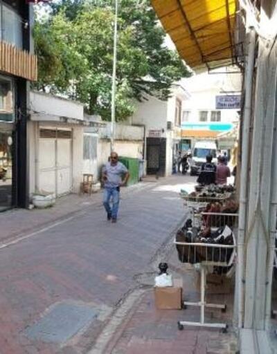'Polise teslim edin' yazılı çuvaldan lavsilahı ile el bombaları çıktı