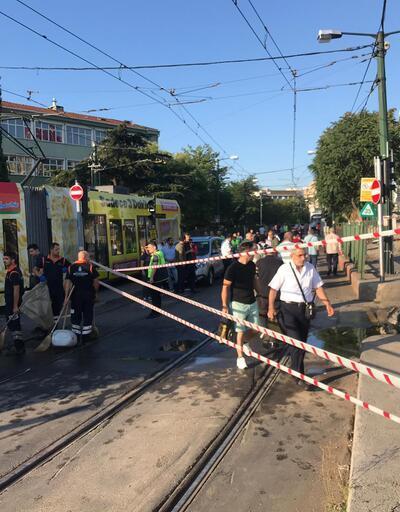 Son dakika... Cevizlibağ'da tramvaya su tankeri çarptı