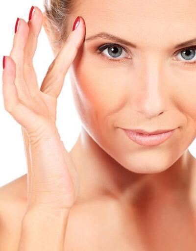 Düşük göz kapağı hem yaşınızı hem de görme alanınızı etkiliyor