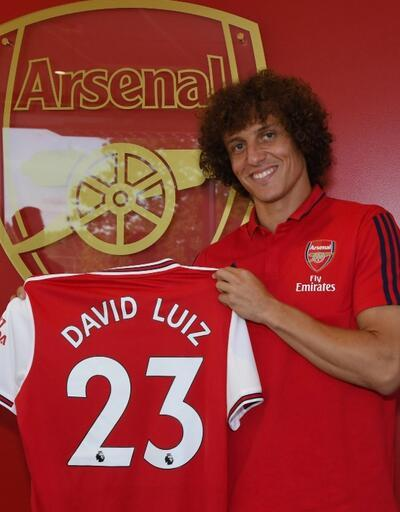 David Luiz Arsenal ile imzaladı