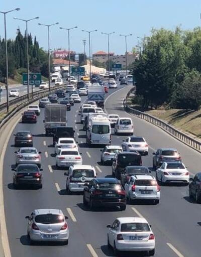 İstanbul'da bayram tatili trafiği başladı