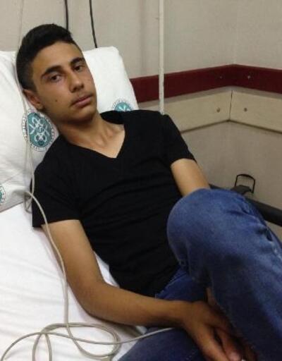 15 yaşındaki Mehmet'i ayakkasına giren akrep soktu
