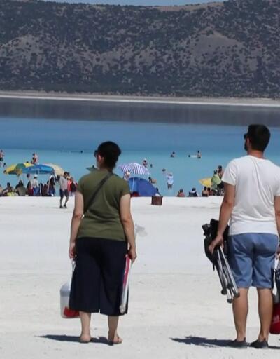 Salda Gölü'nde bayram tatili yoğunluğu