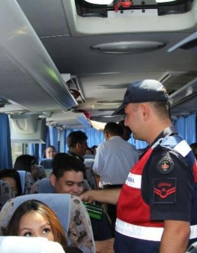 Ayvalık'ta Tayvanlı turistlerin jandarma şaşkınlığı