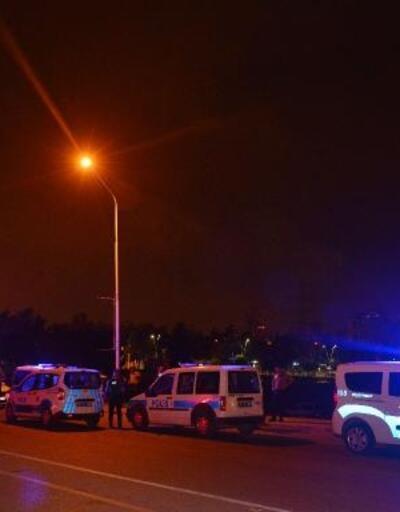 Satırla saldırdığı 3 kişiyi yaraladı