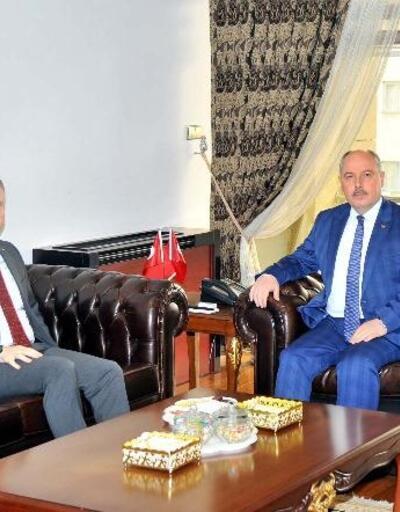 Gaziantep Valisi Gül'den, Vali Coşkun'a ziyaret