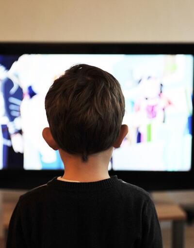 """Uzmanlardan çocuklar için """"ekran"""" uyarısı"""