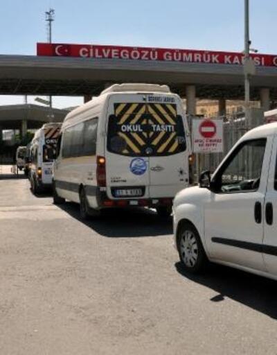 Sınırı kaçak geçmek isterken yakalanan 61 kişi sınır dışı edildi