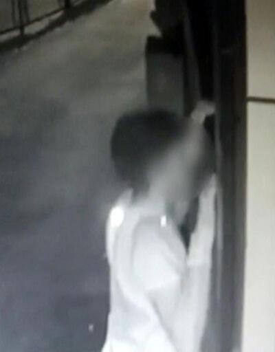 Pencerelere tırmanan hırsızlar yakalandı