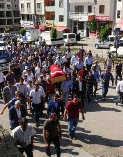 Şemdinli'deki patlamada hayatını kaybeden Sezer Sönmez toprağa verildi