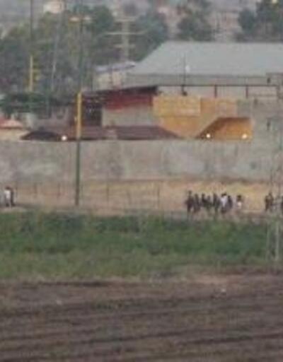 Suriye'deki YPG'li teröristlerin sınır hattındaki hareketliği görüntülendi