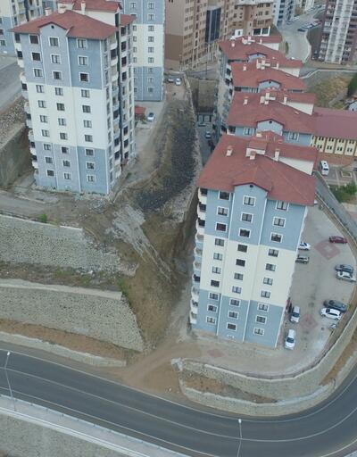 Çöken istinat duvarı tehlike saçıyor