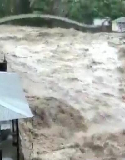 Hindistan'da 5 eyaleti sel vurdu 58 ölü