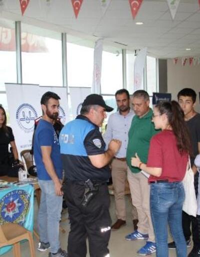 Polisten öğrencilere terör ve uyuşturucu uyarısı