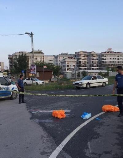Sultanbeyli'de kamyonun altında kalan motosikletli 2 kişi öldü