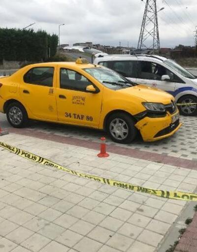 Şişli'de sürücüsünü gasp ettiği taksiyle kaçtı