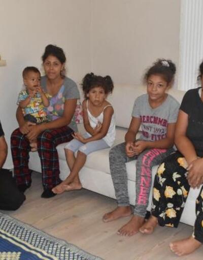 2 ay parkta yatan 8 kişilik aile, yerleştirildikleri evde yeni hayata başladı
