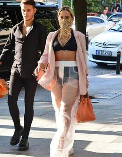 Altın peçeli 'Gaga' Asya Gashi