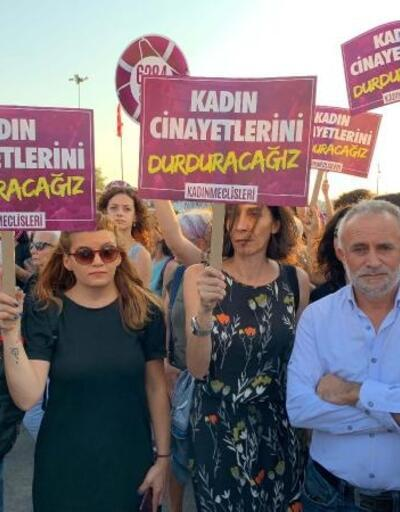 Kadıköy'de kadınlar, kırıkkale'de eşi tarafından öldürülen emine bulut için toplandı