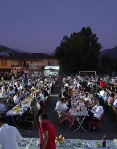 Kaymakam Türkman'a veda yemeği