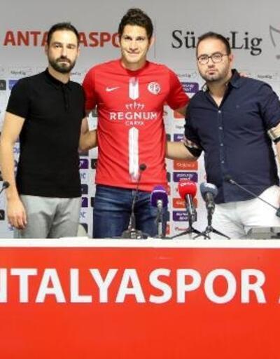 Antalyaspor, Arjantinli forvet Leschuk'u kadrosuna kattı