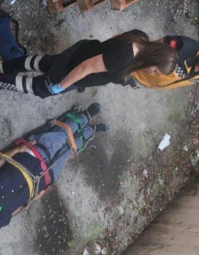 Kadıköy'de yaşlı adam 3 metreden düşüp yaralandı