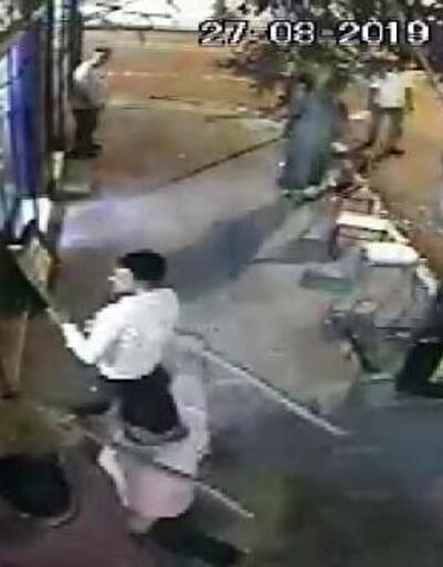 Esenyurt'ta 30 lira için öldüresiye dayak kamerada; İş yerine bıçaklı sopalı baskın