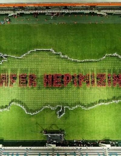 Bursa'da binlerce kişi bir araya gelerek Türkiye haritasını oluşturdu