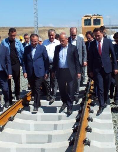 Bakan Turhan: İstanbul-İzmir otoyolunu 2,5 milyona yakın araç kullandı