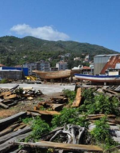 Osmanlı donanmasına gemi yapılan ilçede şimdi barakalarda tekne yapılıyor