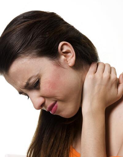 """""""Omuz ağrıları başka hastalıkların habercisi olabilir"""""""