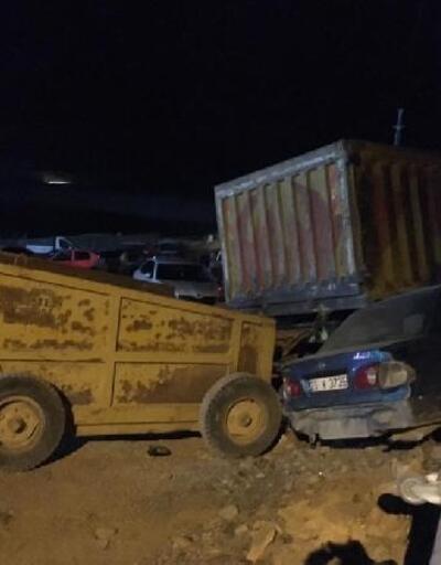Park halindeyken hareket eden kamyon, 13 araca çarptı