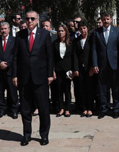 Sivas Kongresi'nin 100. yıl dönümü... Cumhurbaşkanı Erdoğan, Atatürk Anıtı'na çelenk sundu