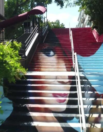 Sokaklar devasa resimlerle süslendi