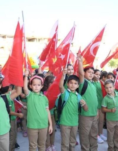 Balıkesir'de 187 bin 843 öğrenci için ders zili çaldı