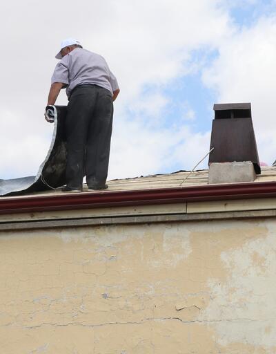 İşçilerin metrelerce yükseklikte korkutan görüntüsü