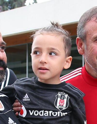 DMD hastası Taylan Beşiktaş'ı ziyaret etti