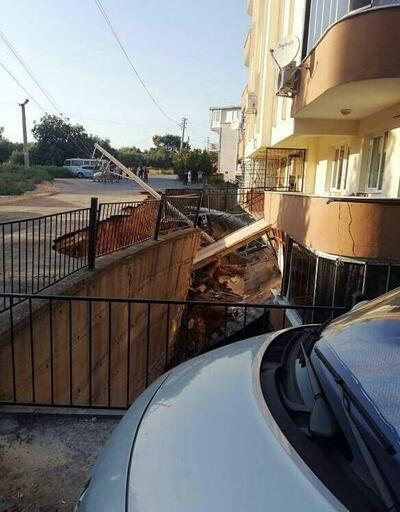 İzmir'de, istinat duvarı çöktü