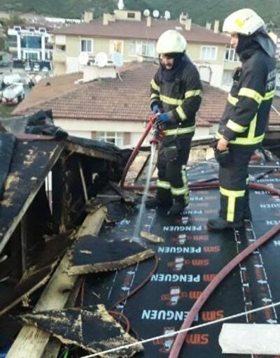 Isı yalıtımı yapılan binanın çatısı yandı
