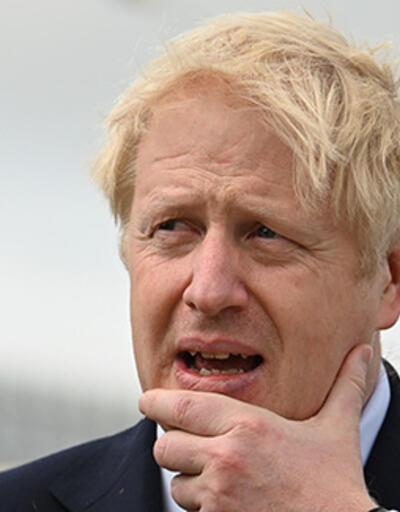 İngiltere'de sular durulmuyor: Boris Johnson, Kraliçe'ye yalan mı söyledi?