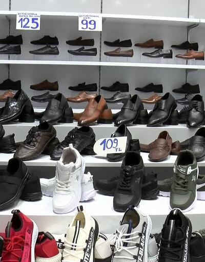 Zarar gören ayakkabılar satışa çıkarıldı