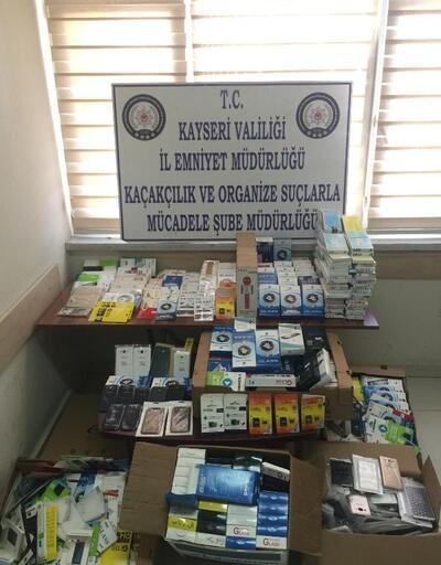 Kayseri'de kaçak cep telefonu aksesuarı operasyonu