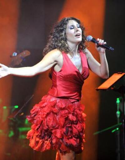 Funda Arar'dan müzik ziyafeti
